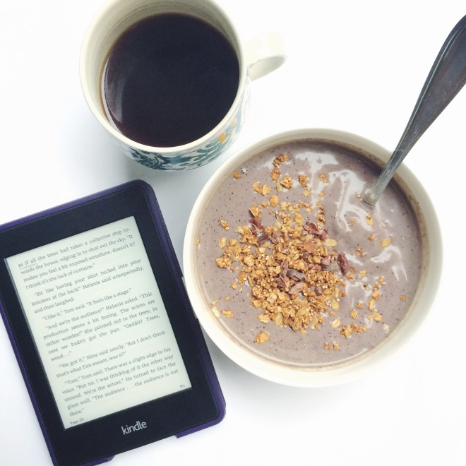 pb&j smoothie bowl + coffee & a good read
